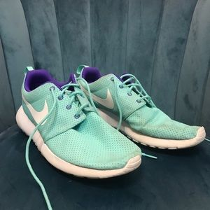 Nike Roshe Size W11/M9.5
